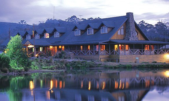 Cradle Mountain lodge eloping Tasmania